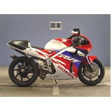 Honda RVF400 R - NC35